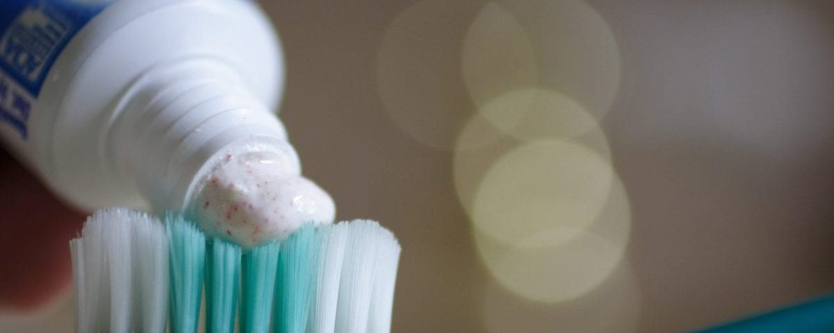 microbeads in crest toothpaste