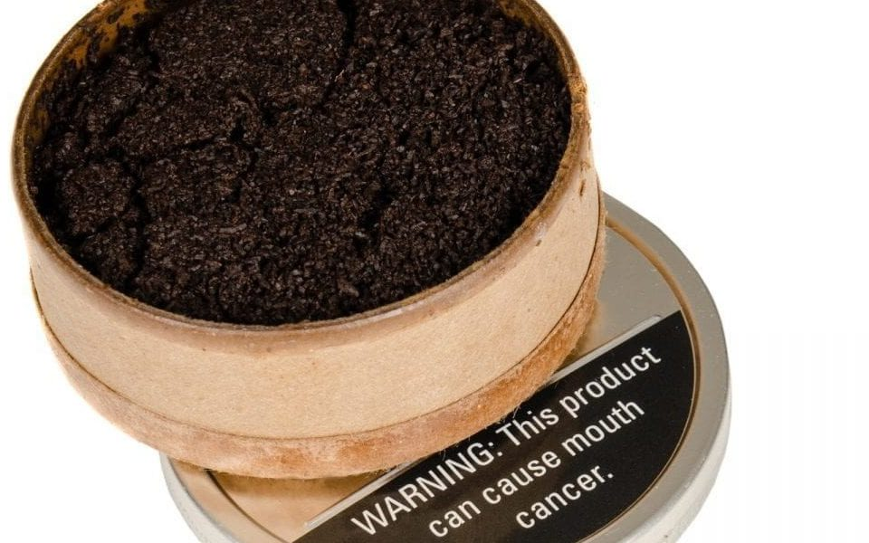 what chewing tobacco does to your teeth